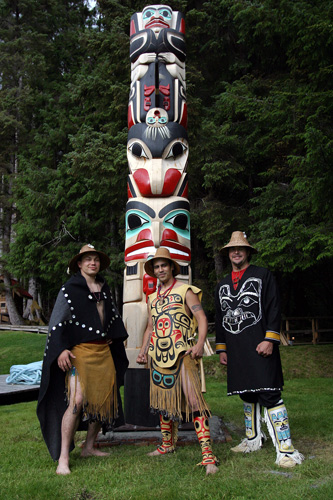 Nanansimgiit pole, yellow cedar, 2005, left to right Geofrey George, Corey, Christian White (mentor/master carver)